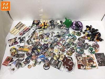 NARUTO -ナルト- BORUTO -ボルト- グッズ まとめ売り 缶バッジ , カカシベアマスコット , 扇子 , シャープペン 他 買取