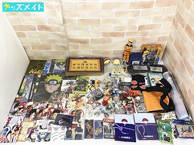 NARUTO ナルト グッズ各種 フィギュア、クリアファイル、ポーチ、ストラップ、コースター、ピンバッジ 他